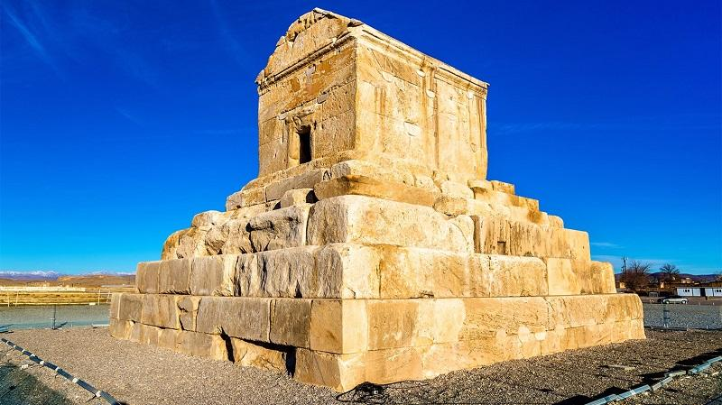 images/c4/e0/the_great_cyrus_21.jpg
